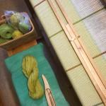 pläd med inslag av enkelt ullgarn